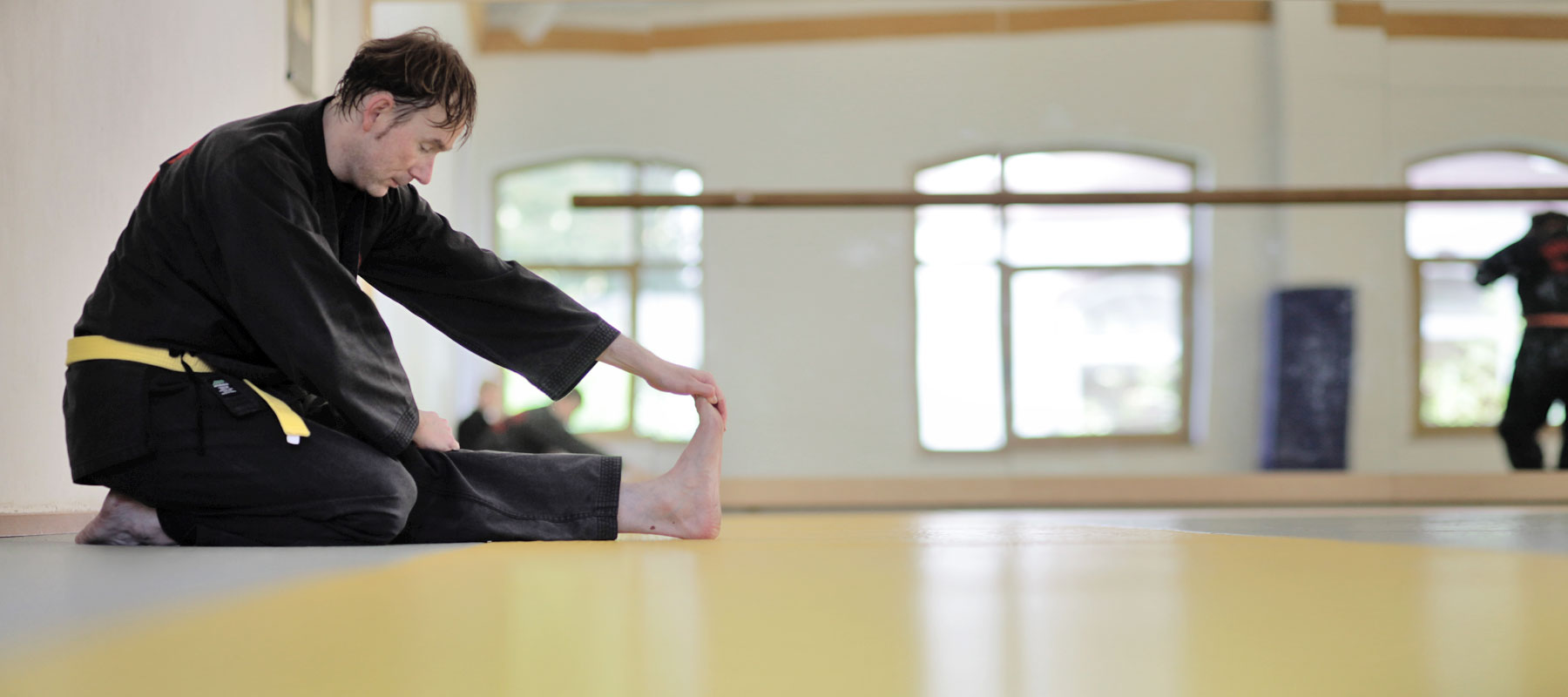 Dehnung für das Kampfkunst-Training