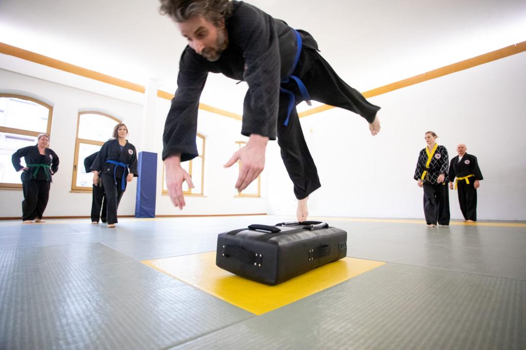 Kampfkunst und Boden-Akrobatik Hamburg